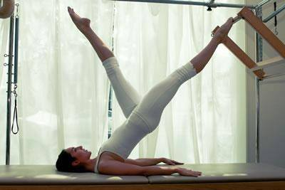 4 exercícios poderosos para fazer em casa e emagrecer de vez